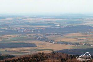 Kamieniec Ząbkowicki widziany z Jawornika Wielkiego.