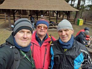 Razem z Jurkiem i Robertem na przełęczy.