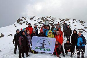 Grupowe zdjęcie na szczycie.