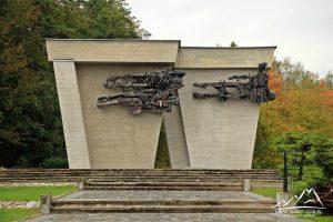 Pomnik Martyrologii Jeńców Wojennych w Łambinowicach