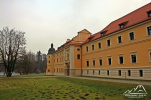Część klasztoru w Rudach.