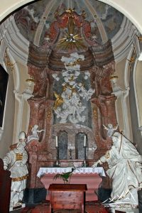 Ołtarz św. Jana Nepomucena.