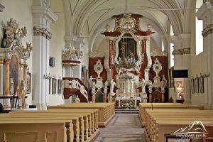 Wnętrze kościoła.