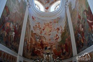 Freski w prezbiterium
