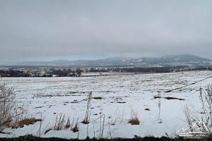 Masyw Śnieżnika widziany z szlaku na Sikornik.