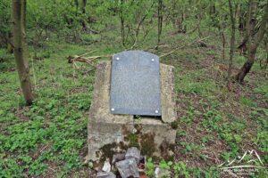 Pomnik Czesława Ostrowskiego.